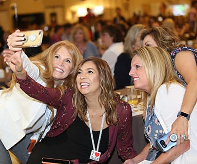 AADOM members taking a selfie at the AADOM Conference